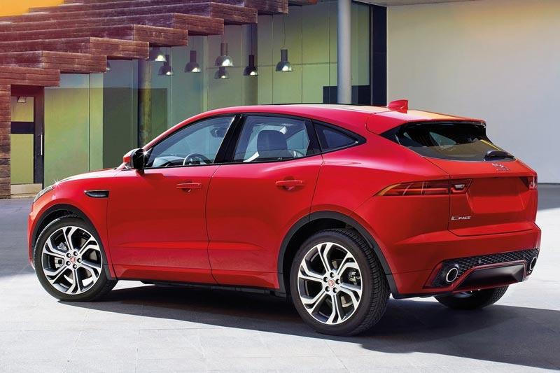 nuova-jaguar-e-pace-retro-2